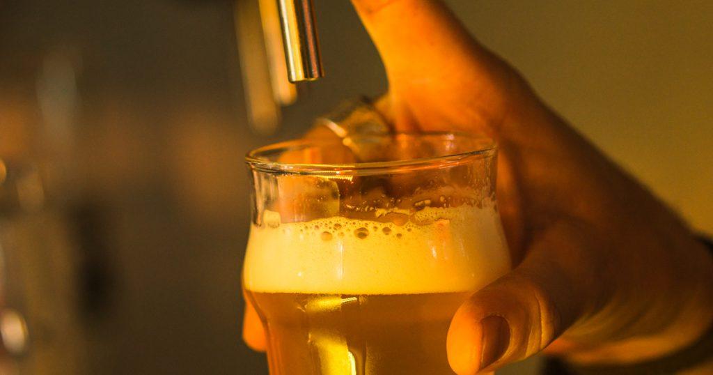 Colarinho tem papel importante na cerveja