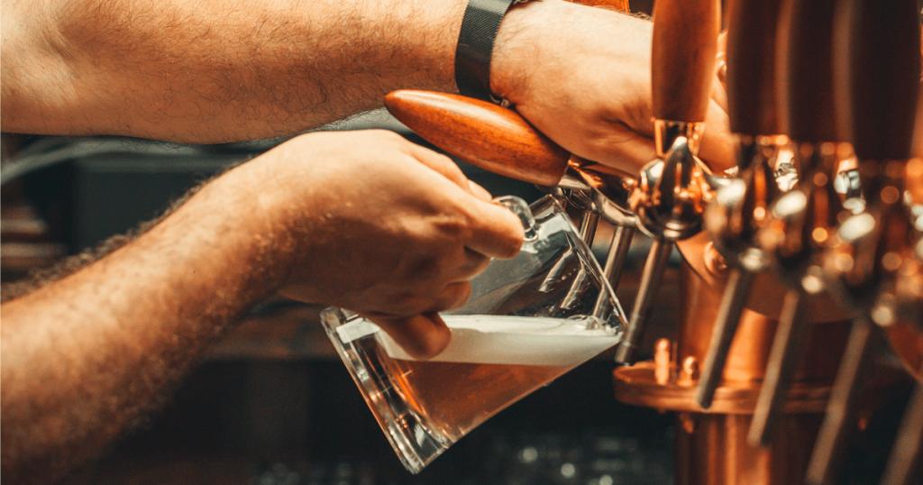 Qual o papel do lúpulo na cerveja?