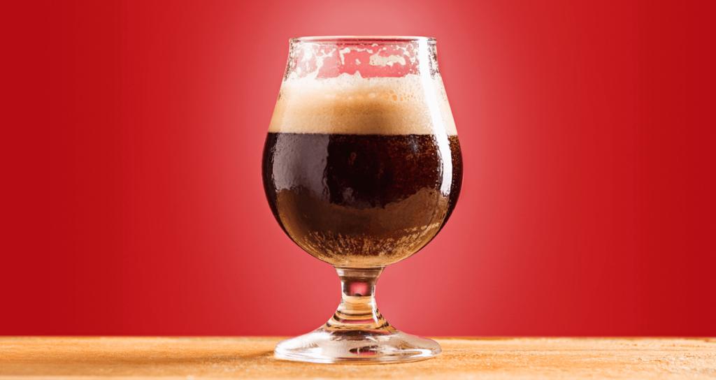 Malte infuencia na cor e espuma da cerveja