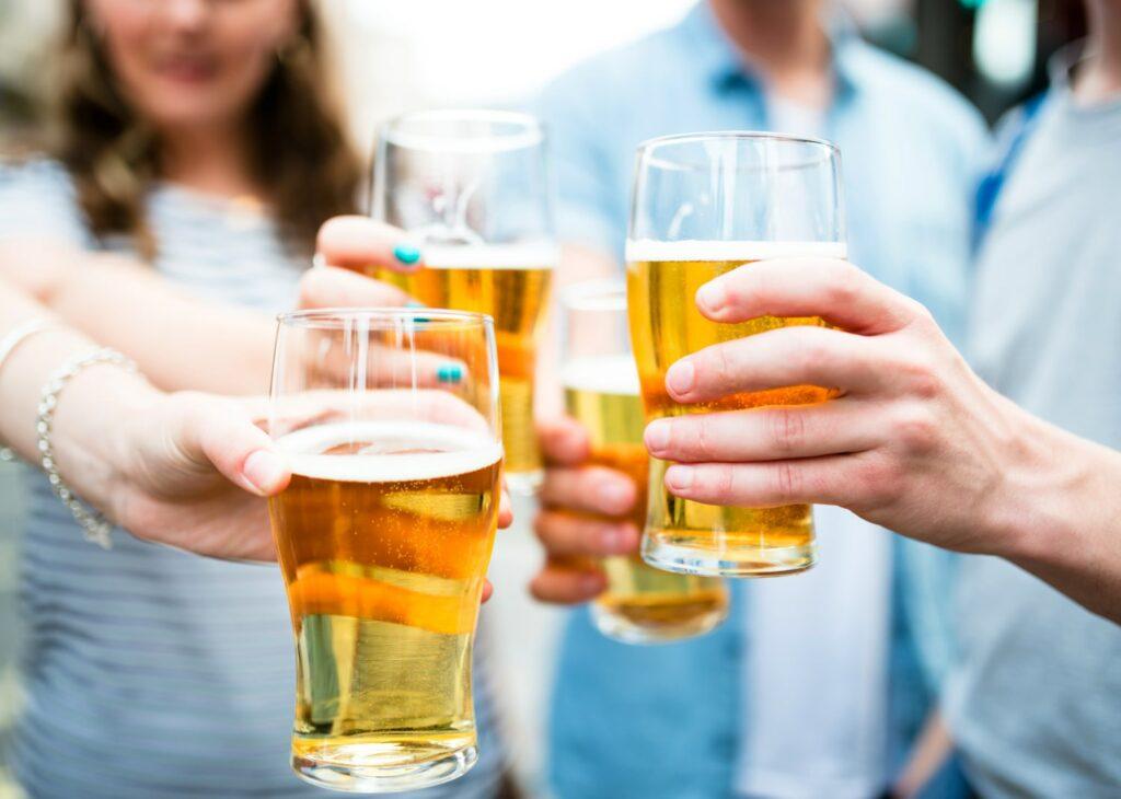 Tome cerveja com moderação