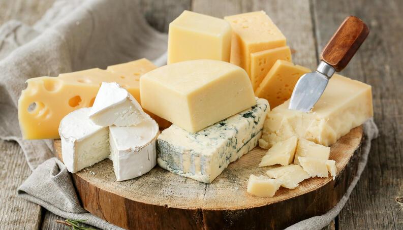 tábua de queijos com cascahell